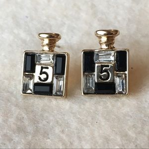 Cute crystal and onyx stud earrings
